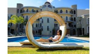 Elegantna spiralna ležaljka za vruće ljetne dane
